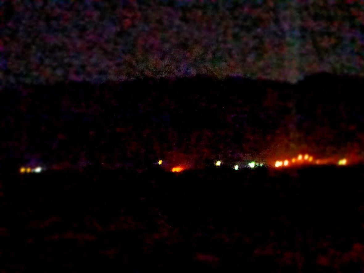 خبرنگاران آتش سوزی مراتع اطراف تالاب بندون ایذه مهار شد