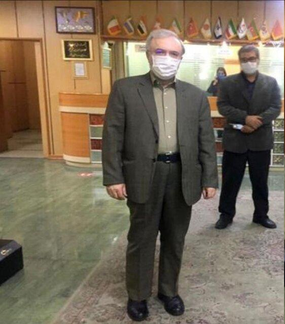 تقدیر وزیر بهداشت از اجرای پروتکل های بهداشتی در هتل محل اقامتش